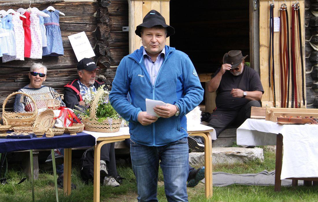 Lars Elsrud kåserer