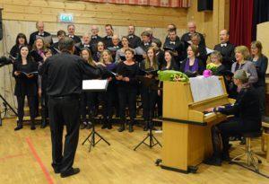 Kantorum-korene har arrangert løypelagskonserter på palmelørdag en rekke ganger. Inntektene går til Hedalen løypelag. Foto: Helge Nordby