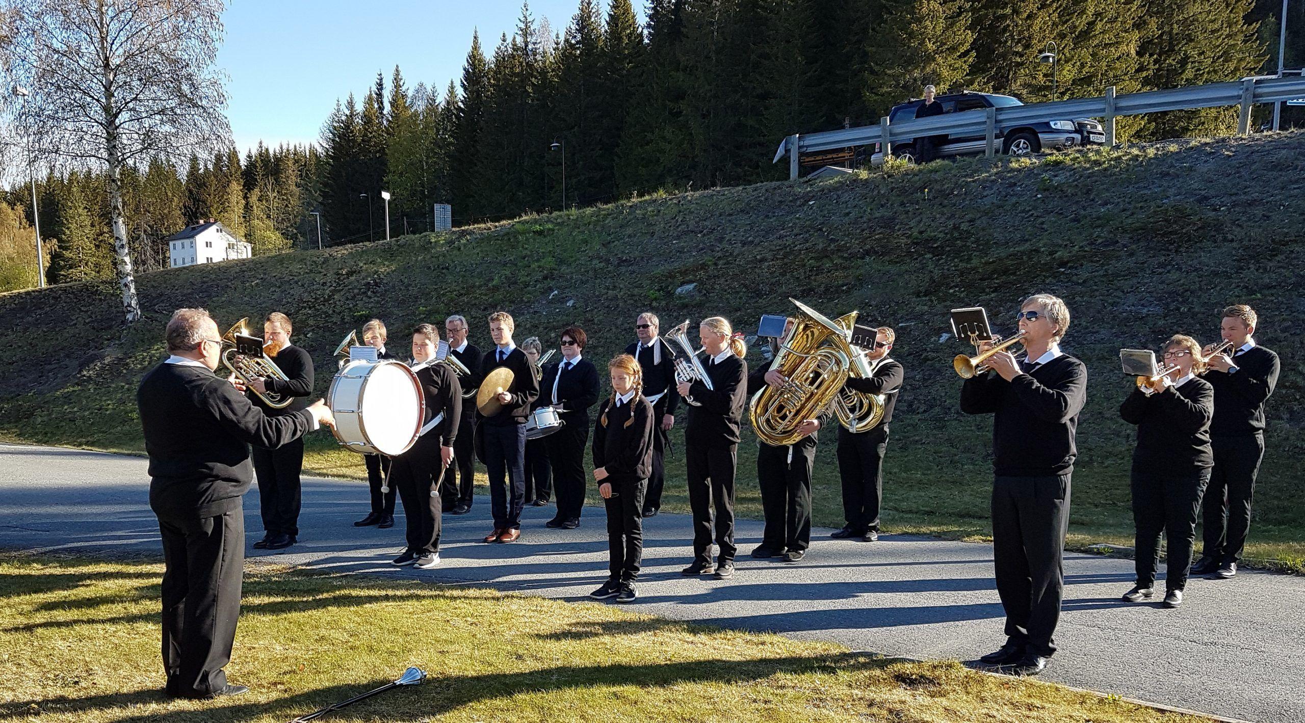 Hedalen musikk-korps på Hedalsheimen 2019. Foto: Arne Heimestøl