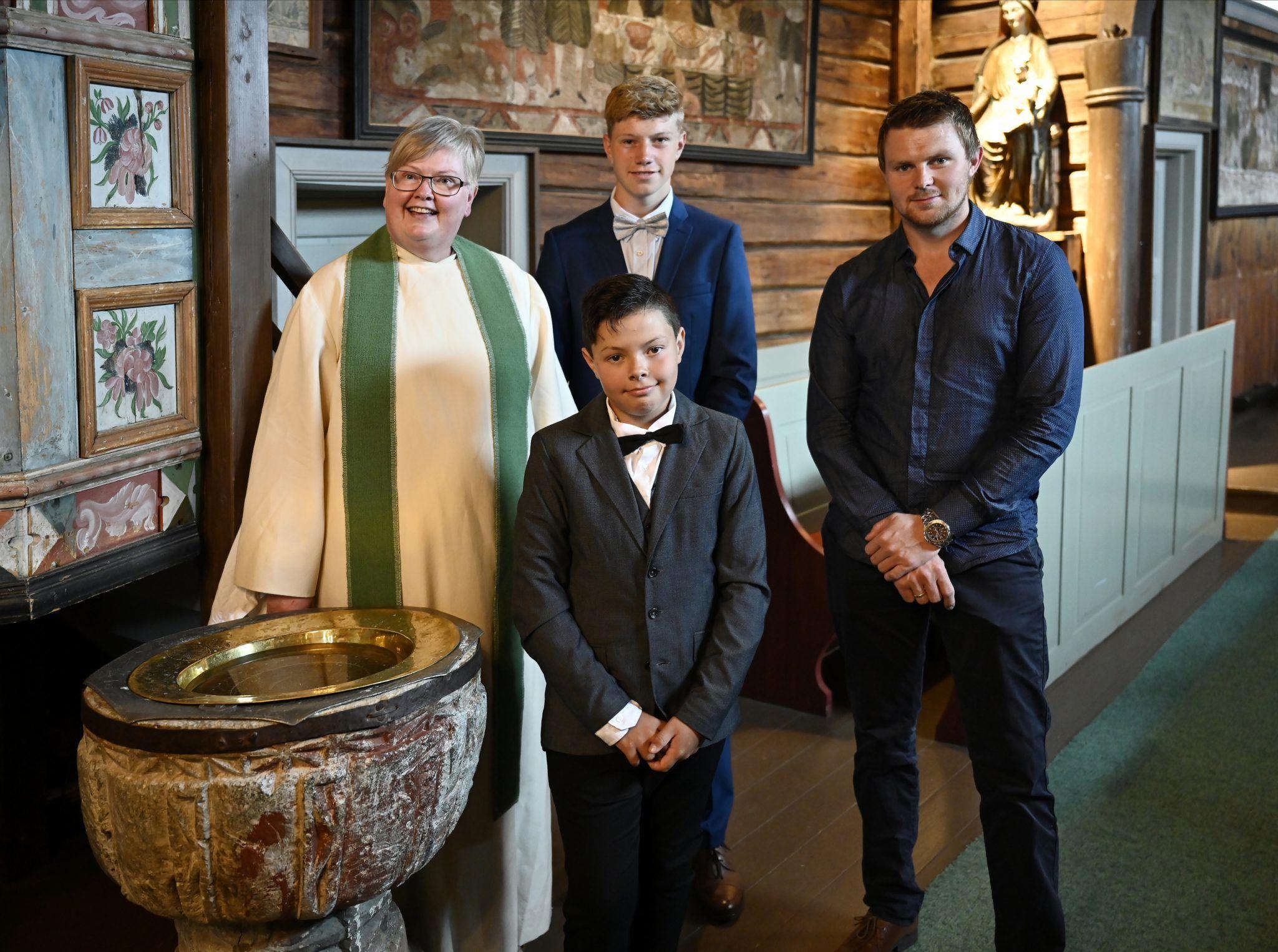 Maikel ble døpt i Hedalen stavkirke søndag 21. juni.