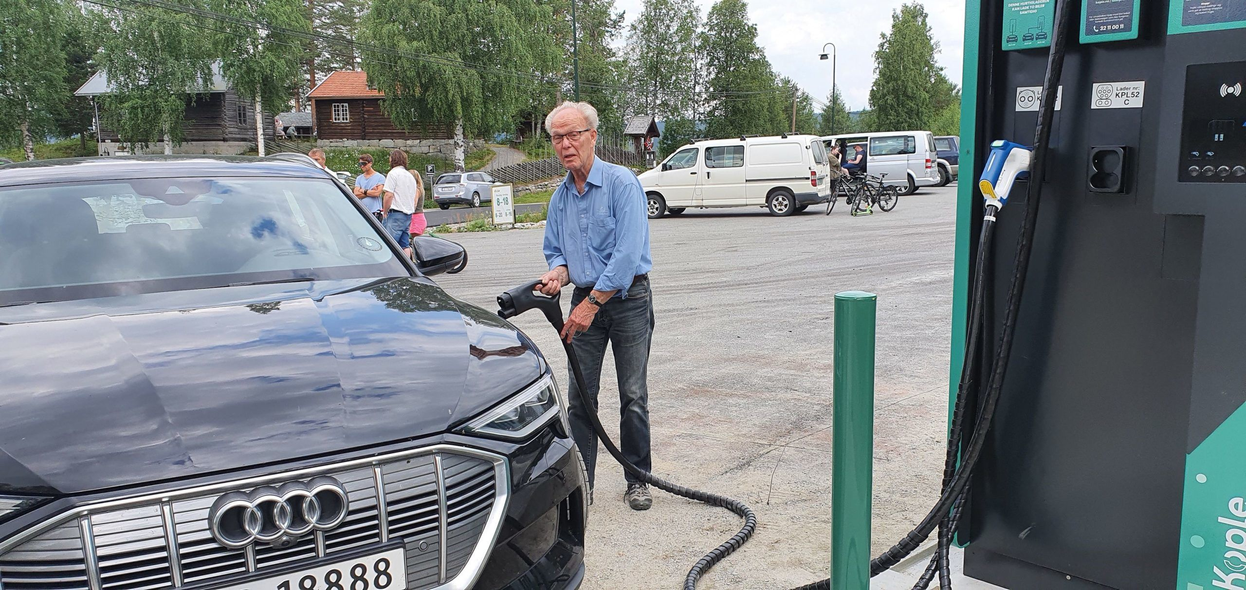 Knut Hagen lader Audi