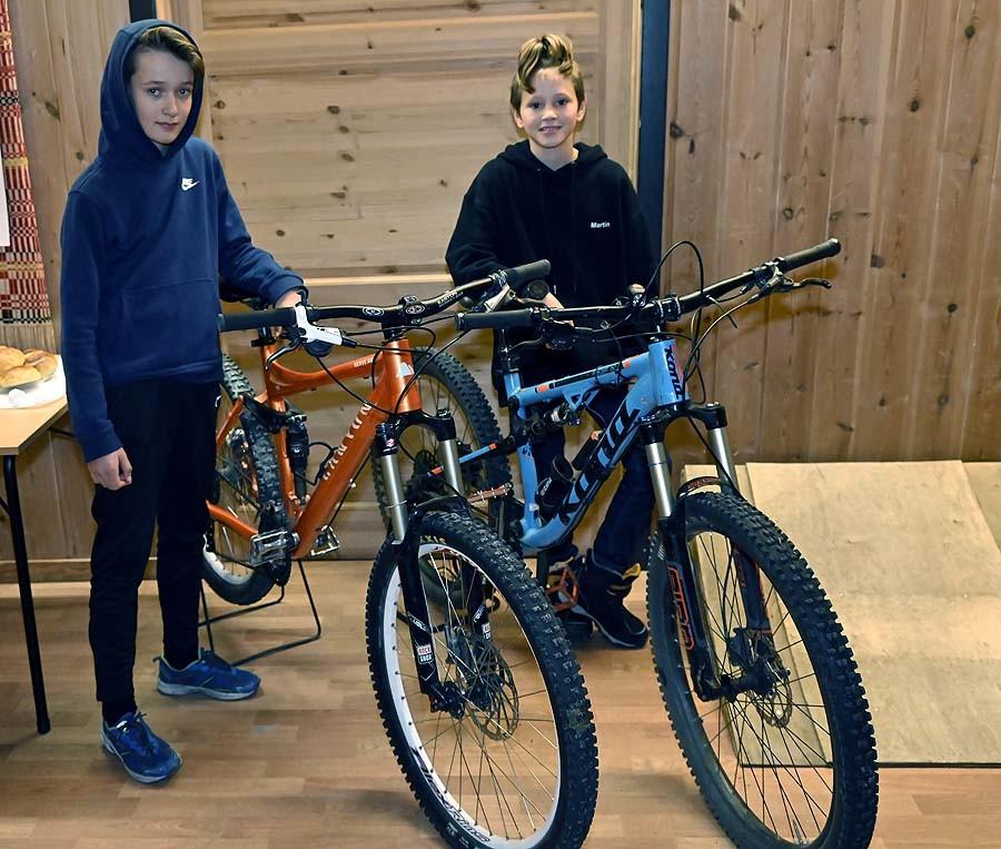 Martin Aspirant, Snorre junior og Anders senior har samarbeidet om terrengsykling