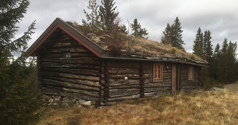 Koie ved Søbekkseter. Foto: Nils E. Bjerkestrand