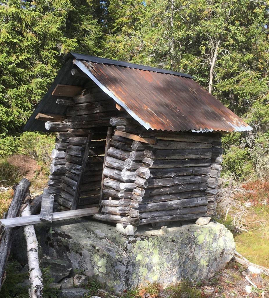Miniløe ved Hellsenningen. Foto: Nils E. Bjerkestrand