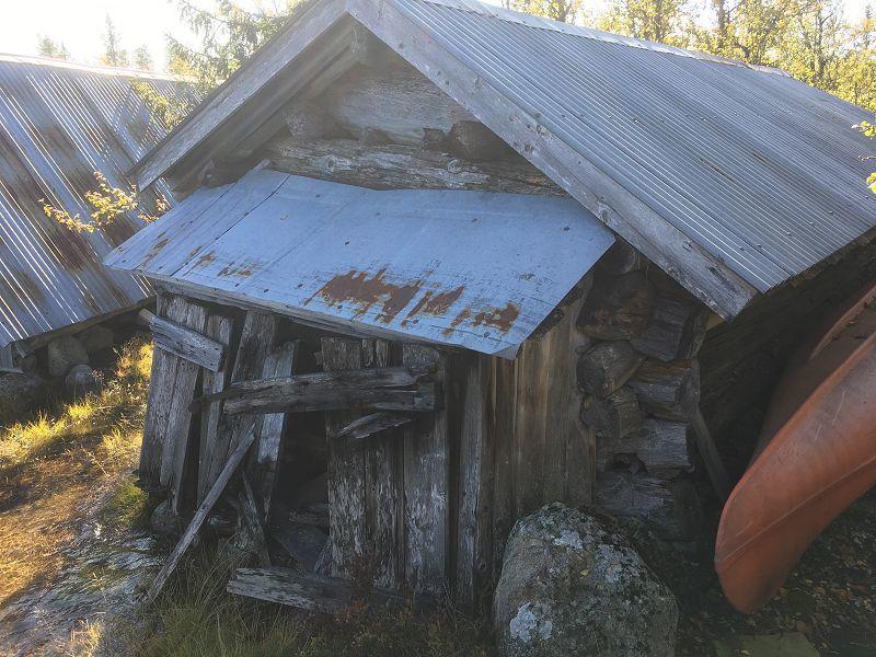 Naust ved Helsæren. Foto: Nils E. Bjerkestrand