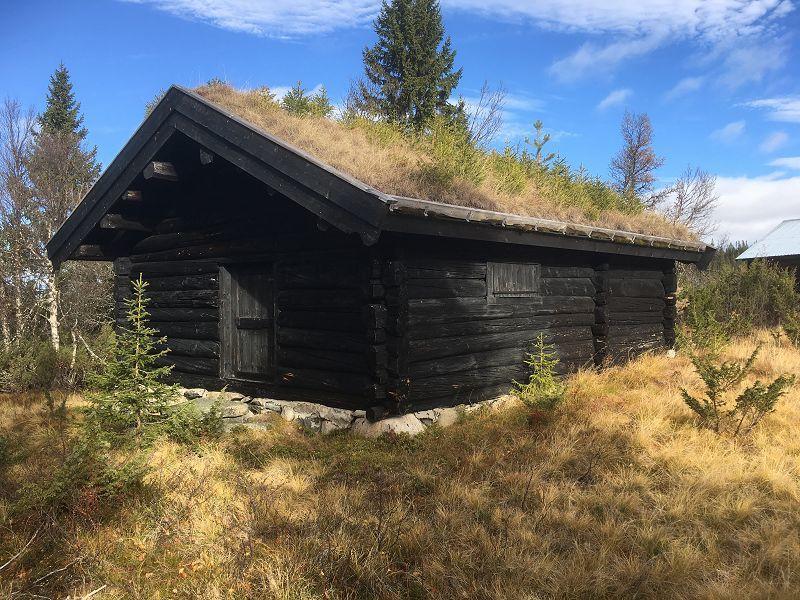 Løe ved Stormyra. Foto: Nils E. Bjerkestrand
