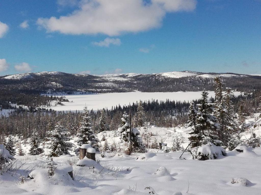 Snøen kan komme i november og ligge ut april