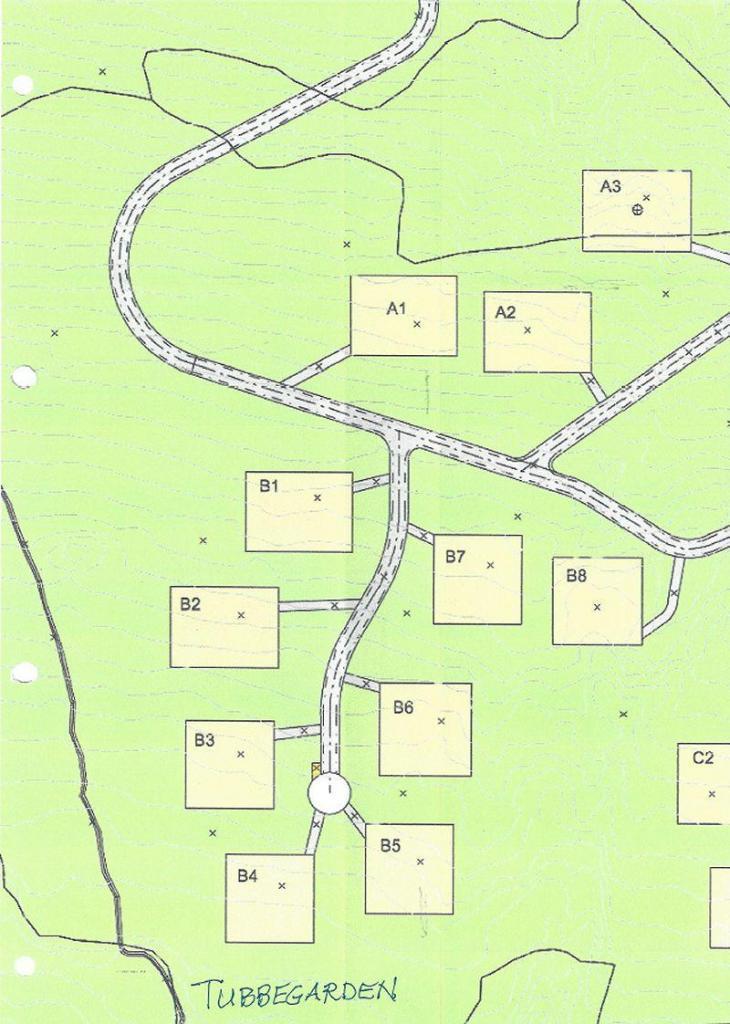 Kart over A- og B-feltet. Det er bilveg inn til tomtegrensene.