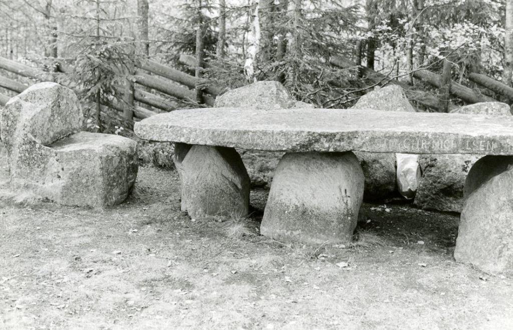 Bordet på Bautahaugen