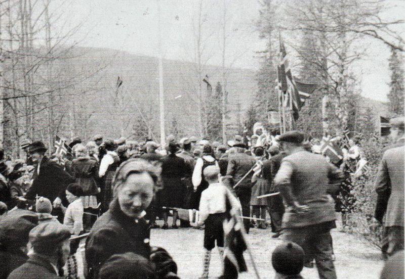 Stort frammøte på Bautahaugen 17. mai 1945