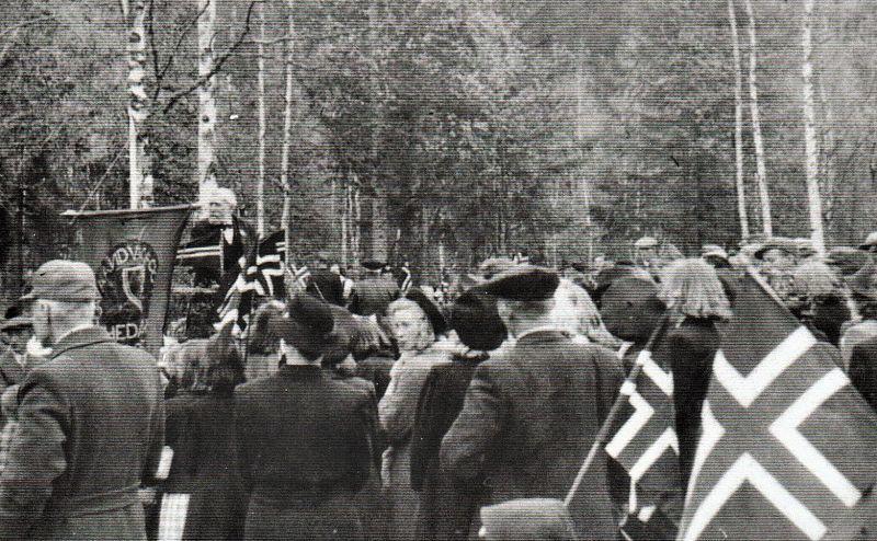 Ole Bjørgan d.e. på talerstolen. Han holdt en mektig fredsappell, der han var glad over fred i landet, og nå måtte alle stå sammen for å bygge Norge opp igjen.