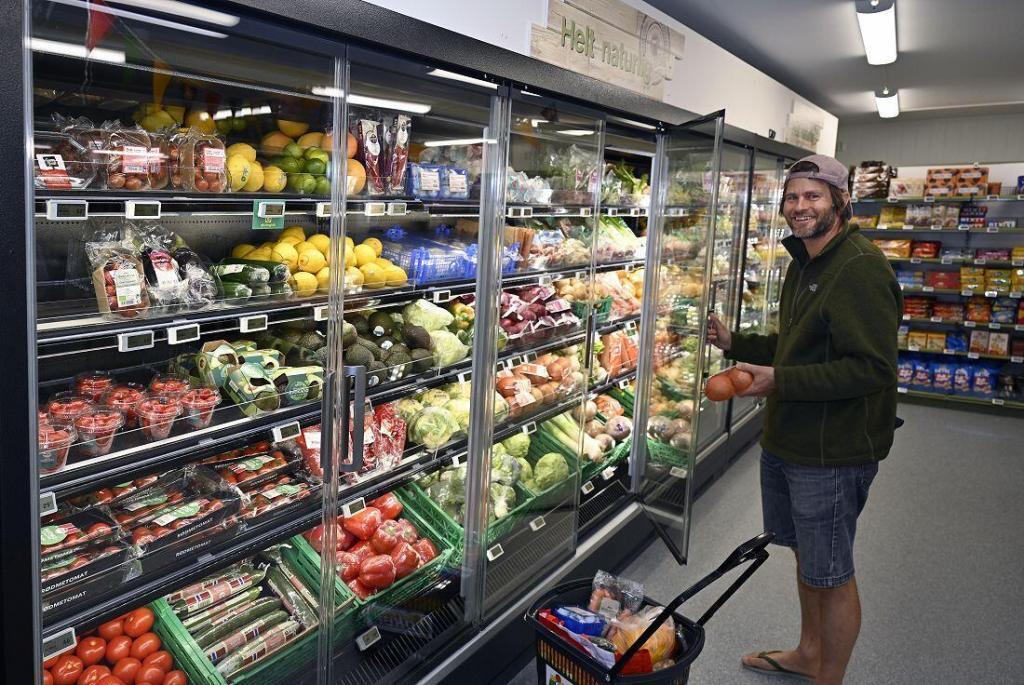 Frukt- og grønt-avdelingen finner du i det nye arealet. Her er det lett å finne minst fem om dagen. Foto: Arne G. Perlestenbakken