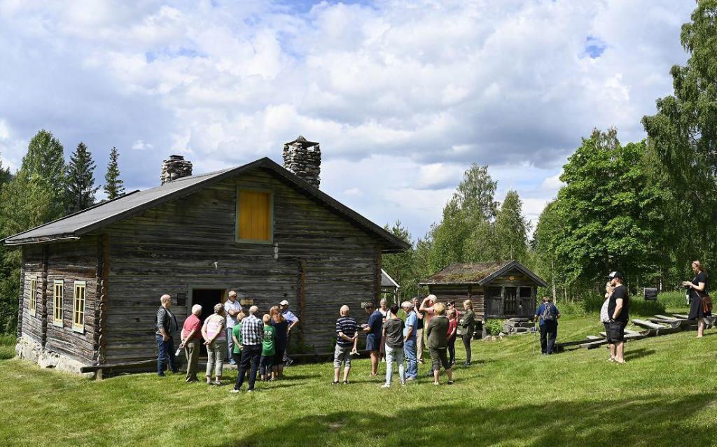 Fra åpning av utstillinga i Brakadokka