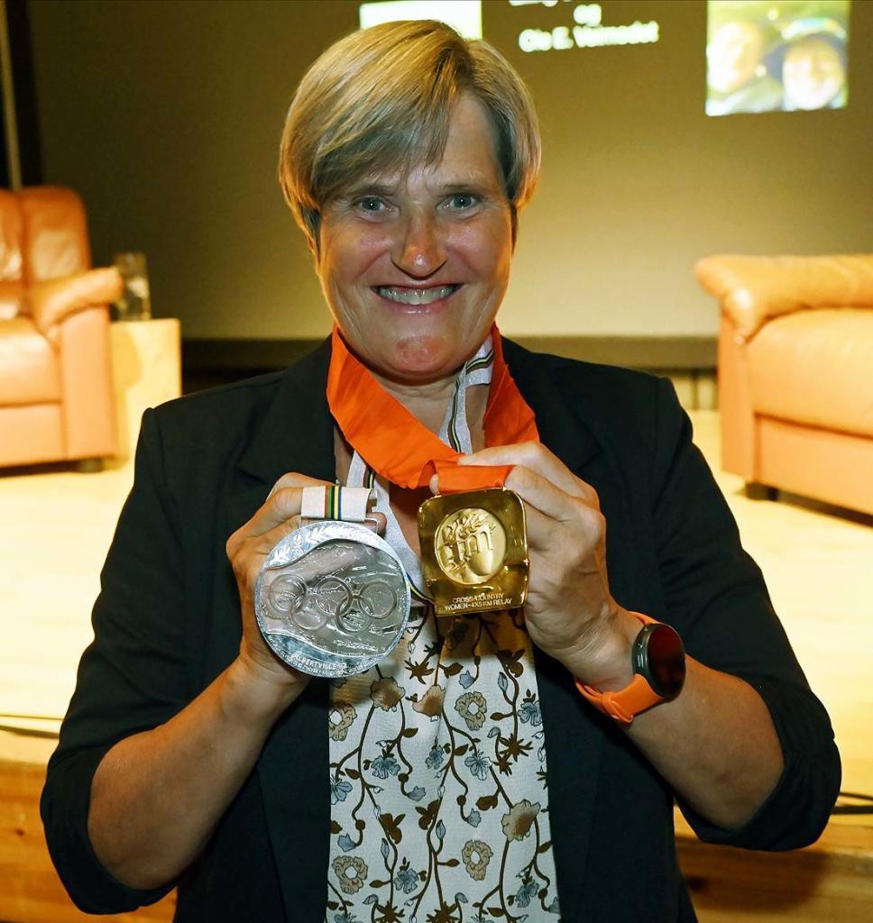 Noen av de mange medaljene Inger Helene har fått med seg. Foto: Arne G. Perlestenbakken