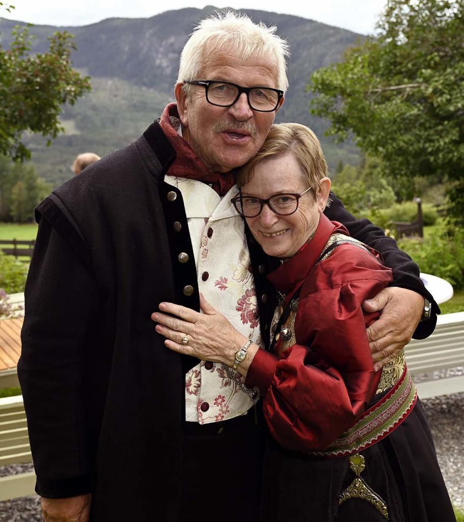Tidligere oversykepleier Randi Nilsen (Lundemo) er tilbake på Fekjær etter 30 år. Stor gjensynsglede med Elling